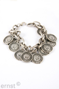 20 cm metal-link-chain-bracelet with  small coin-pendants